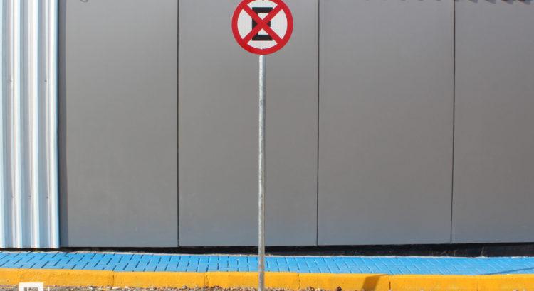 3 passos para instalar placa de trânsito